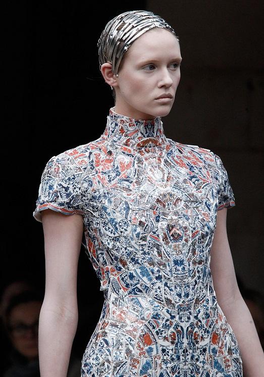 Alexander McQueen невероятные платья