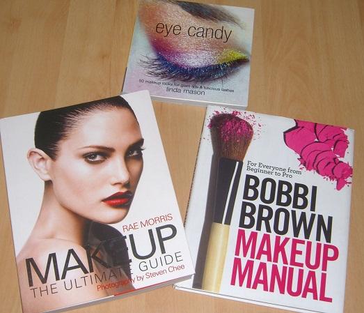 Интересные и полезные для девушек книги про макияж