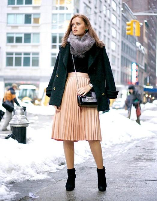 Как носить плиссированные  зимой