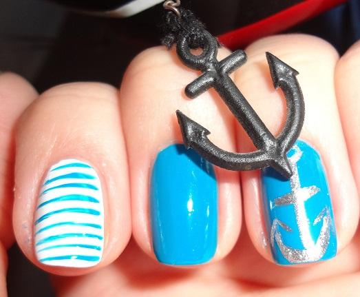 Варианты морского дизайна ногтей (12 фото)
