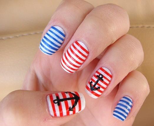 дизайн ногтей в морском стиле: