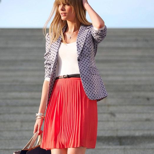 С чем носить стильную плиссированную юбку? (15 фото)