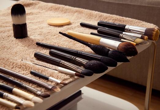 Как очистить кисточки для макияжа?