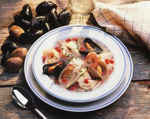 Вкусный и изысканный суп из морепродуктов