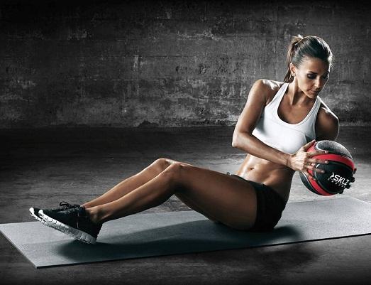Простые упражнения с медболом