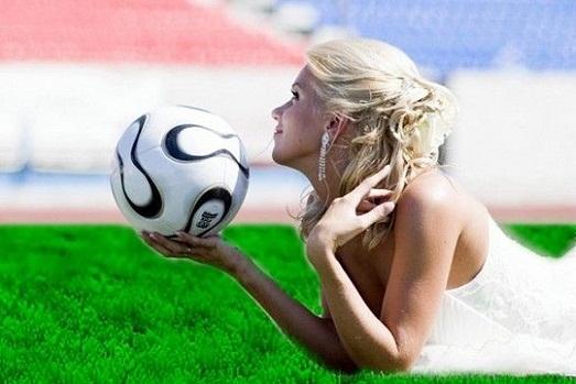 Как девушке полюбить футбол?