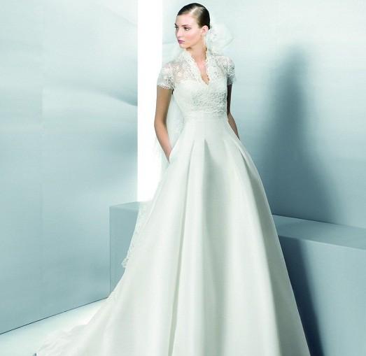 Платья и костюмы для венчания