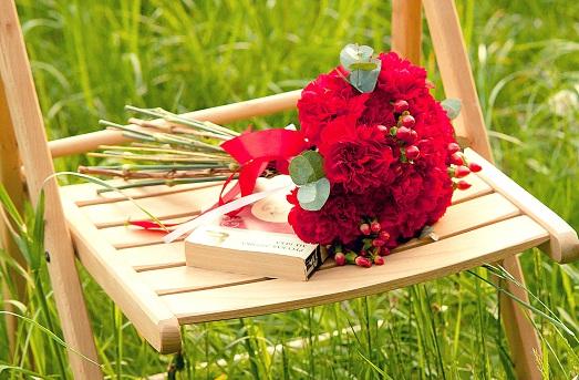 Как сделать красный букет невесты?