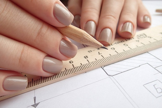 Как исправить кривые ногти?