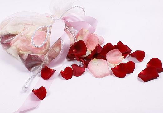 Как сохранить лепестки роз и других цветов?