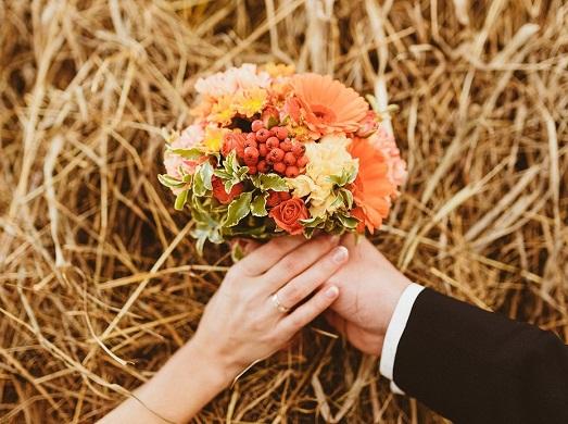 Как сделать букет для осенней свадьбы? (11 фото)