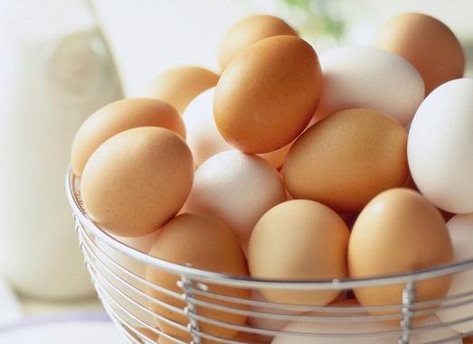 Как правильно выбирать яйца в магазине?