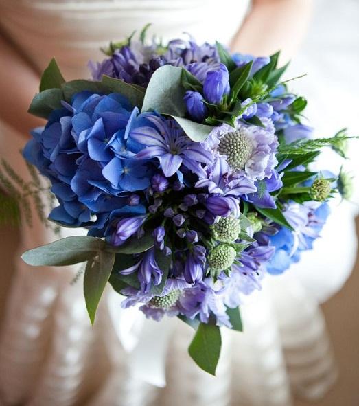 Как сделать синий букет невесты?