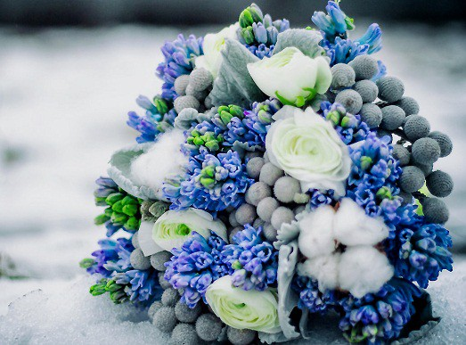 Букет свадебный с синими цветами