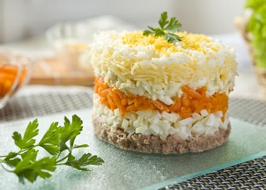 Как приготовить салат «Мимоза» по-новому?