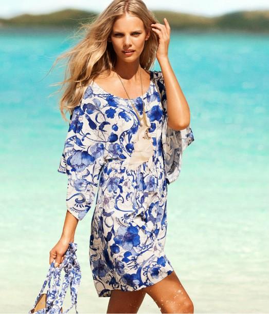 e2af37242fe9e69 Пляжная мода не заканчивается на одних купальниках, потому что на пляже  очень тяжело обойтись без лёгкого сарафана или туники.