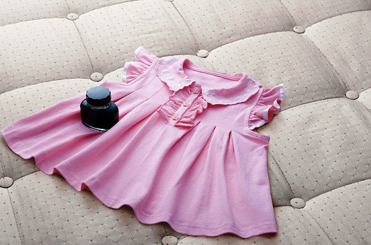 Как отстирать полинявшие цветные вещи в домашних условиях