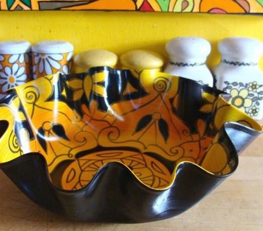 Что можно сделать из виниловых пластинок: ваза