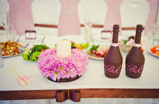 Как перевязывать бутылки на свадьбу лентой