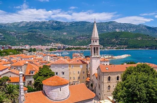 Почему стоит поехать на отдых в Черногорию?