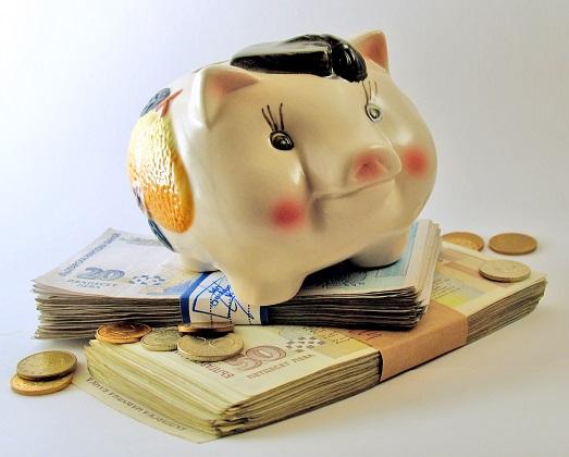 Как научить кроху обращаться с деньгами?