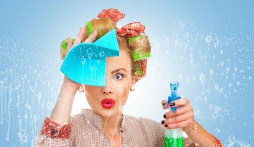 Как можно быстро помыть натяжной потолок?