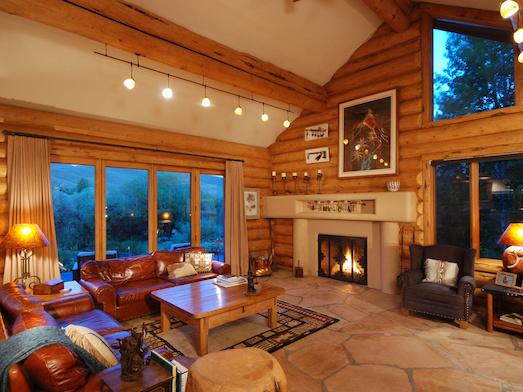 Шикарные варианты дизайна интерьера для деревянного дома