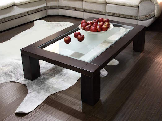 Журнальный столик — важный элемент в гостинной