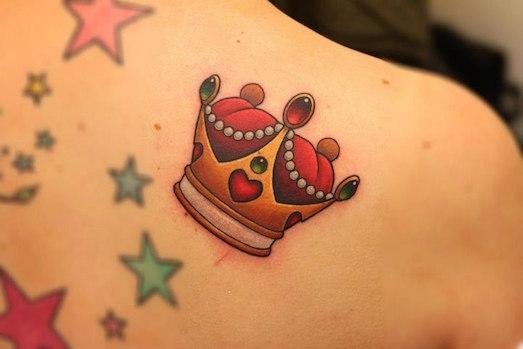 Что означает татуировка в виде короны?