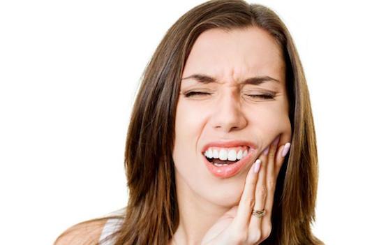 Из-за чего может болеть зуб после пломбирования?