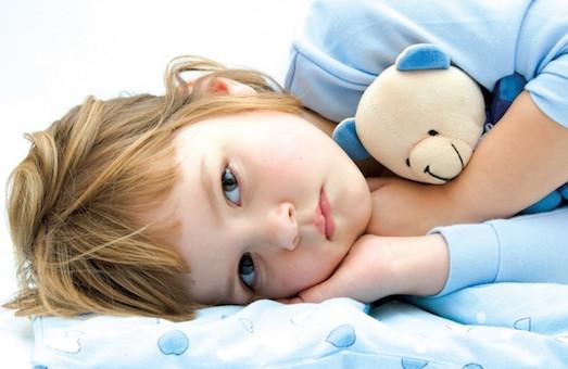Что делать, если малыш не хочет спать в своей кровати?