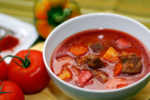 Бограч — сытный и очень вкусный суп