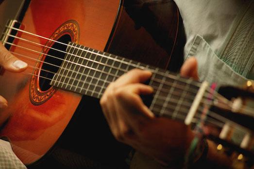10 самых известных гитаристов в мире