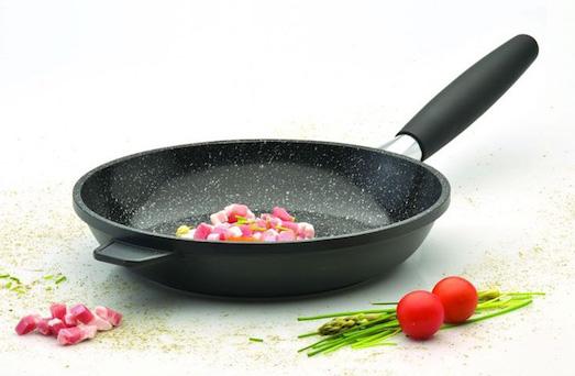 На что обратить внимание при выборе сковороды?