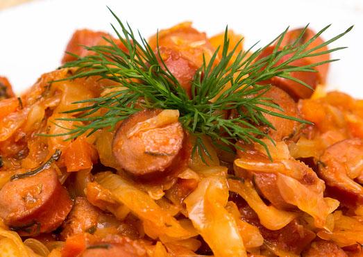 Тушеная капуста — отличное блюдо для вашего стола