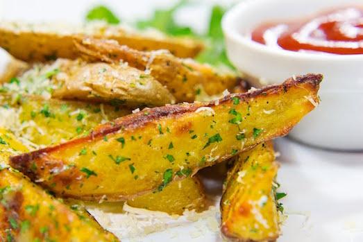 Вкусный и ароматный картофель по-деревенски