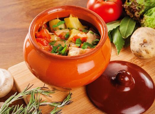 Простые и вкусные блюда в горшочке