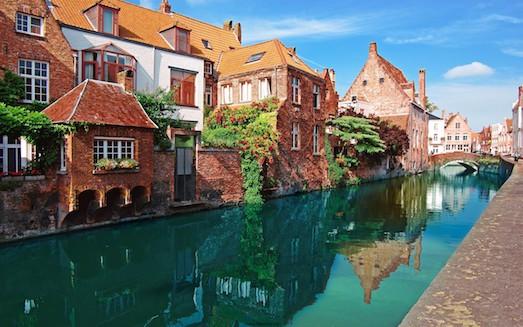 Чем туристу заняться в городе Брюгге?