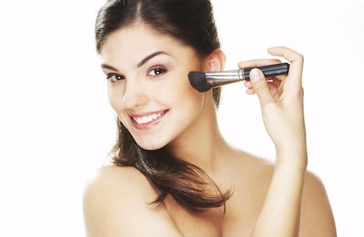 Топ 10 самых идеальных пудр для закрепления макияжа