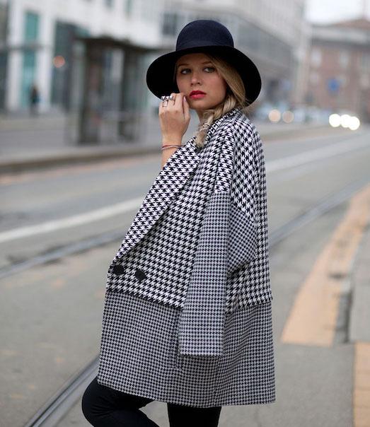 С чем носить модное серое пальто?