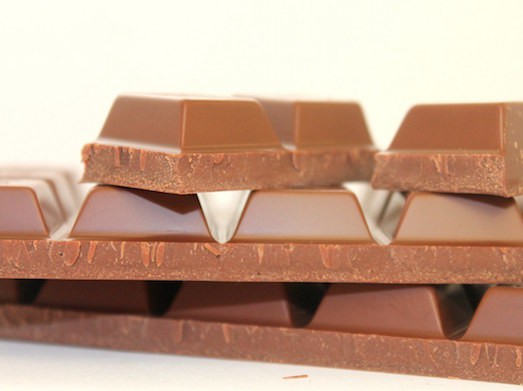 Кому идет цвет волос молочный шоколад?