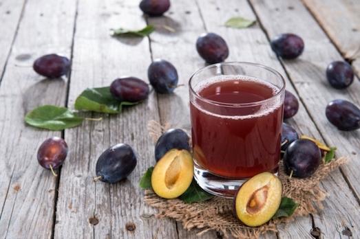 Вкусный и полезный сливовый сок
