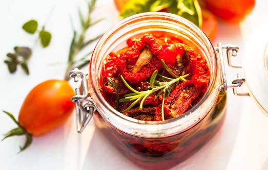 Как приготовить домашние вяленые помидоры?