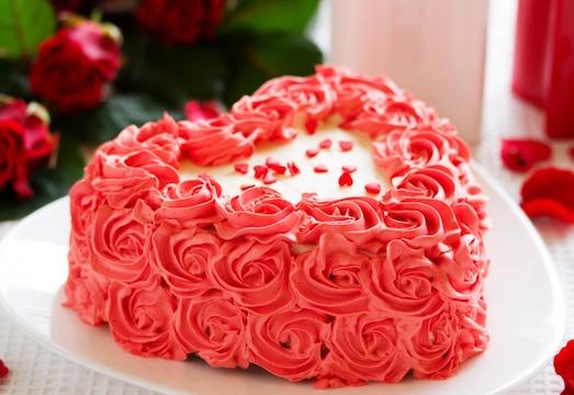 Интересные идеи для украшения домашнего торта