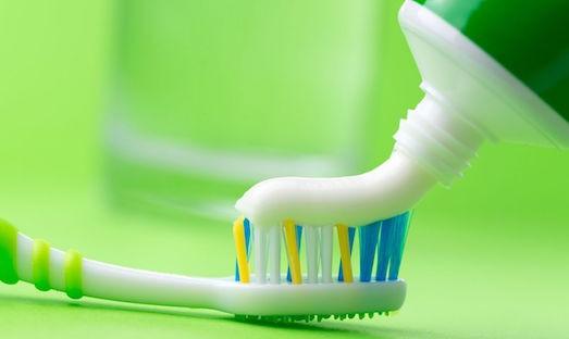 Как сделать натуральную зубную пасту?