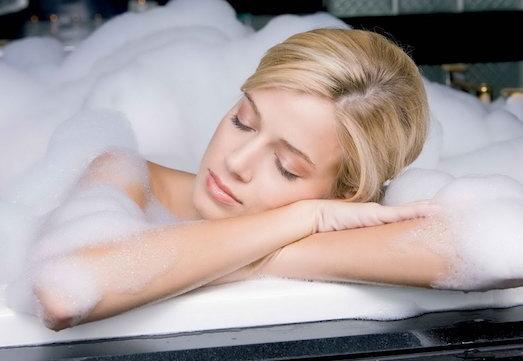 Правила приема ванны и душа для беременных