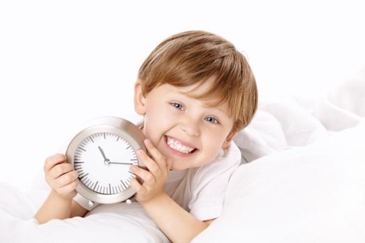 Как приучить ребенка без проблем вставать утром?
