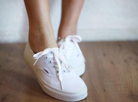 Советы по уходу за обувью белого цвета