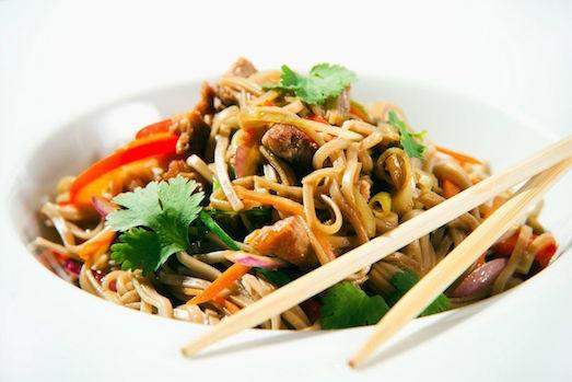 Вкусные блюда из рисовой лапши
