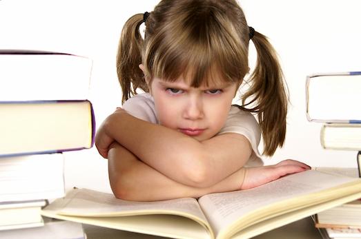 Что делать, если ребенок не хочет учить уроки?